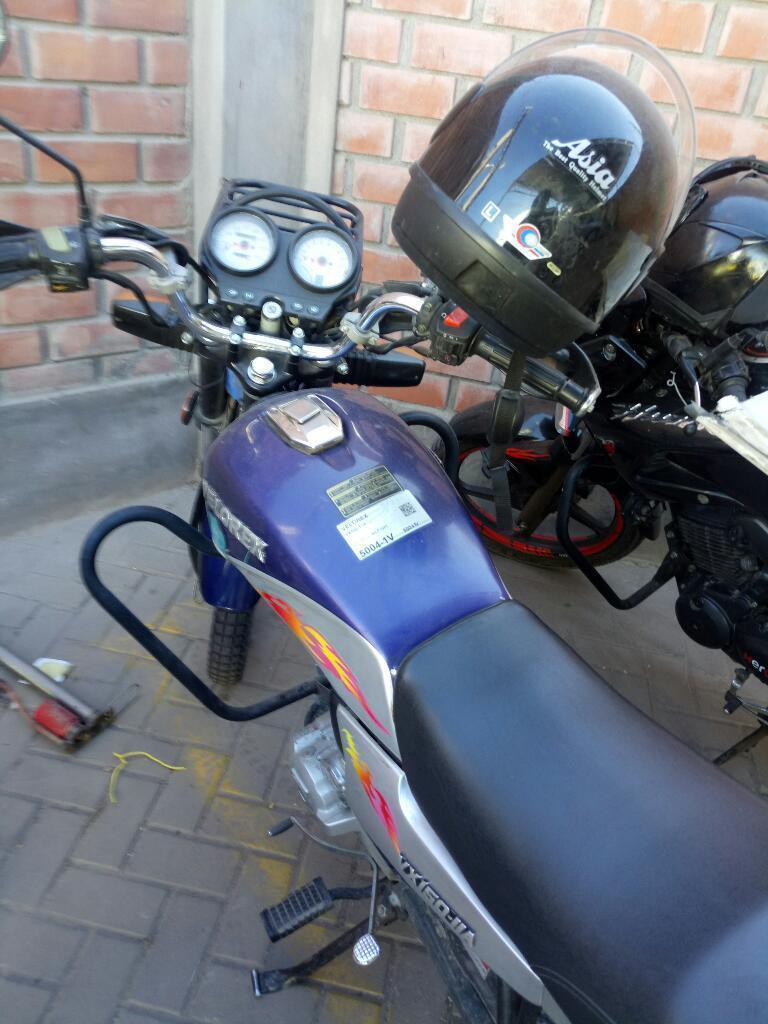 Vendo Mi Moto Valores Año 2011 a 1600