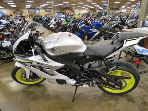 En venta YAMAHA R6 Motos