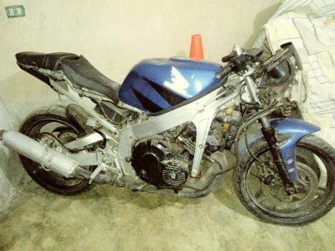 Venta de Moto Pistera Honda Cbr 400