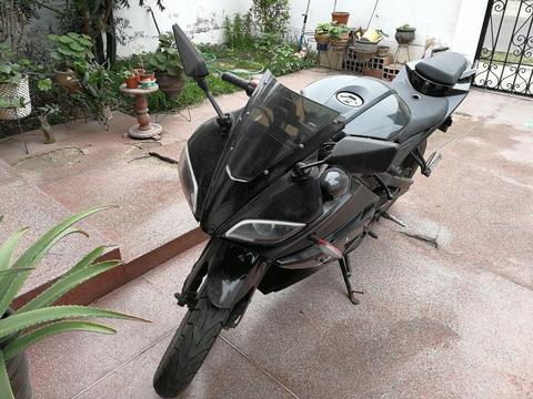 Moto Davest Dv250r