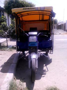 VENDO MOTOTAXI ZONGSHEN 125 AÑO 2011 PRECIO NEGOCIABLE MAS INFORMACIÓN LLAMAR AL CEL: 910717148