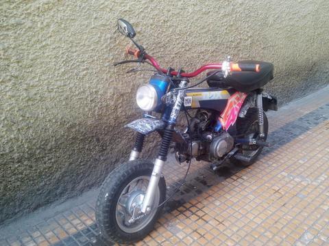 Moto Honda Dax 70 St modificada