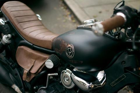 Moto estilo Cafe Racer