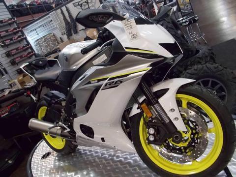 YAMAHA R6 Moto