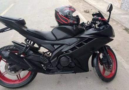 moto yamaha R15 con mantenimiento de inyectores DEL 2015