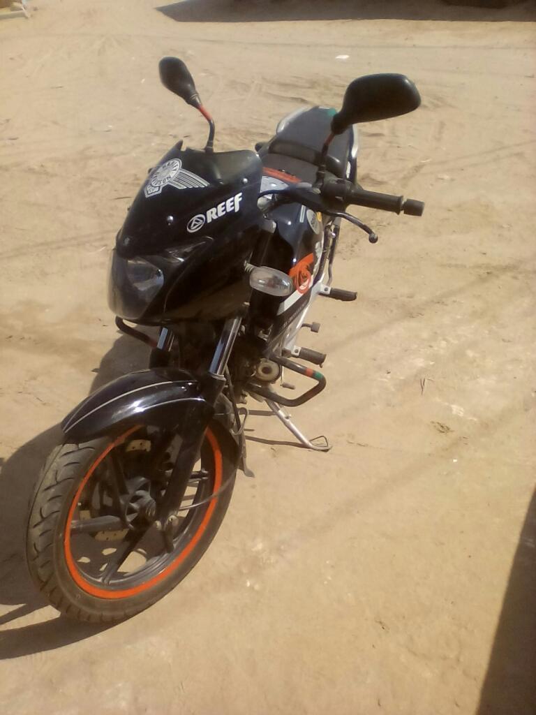 Vendo mi moto pulsar 200 tiene poco uso