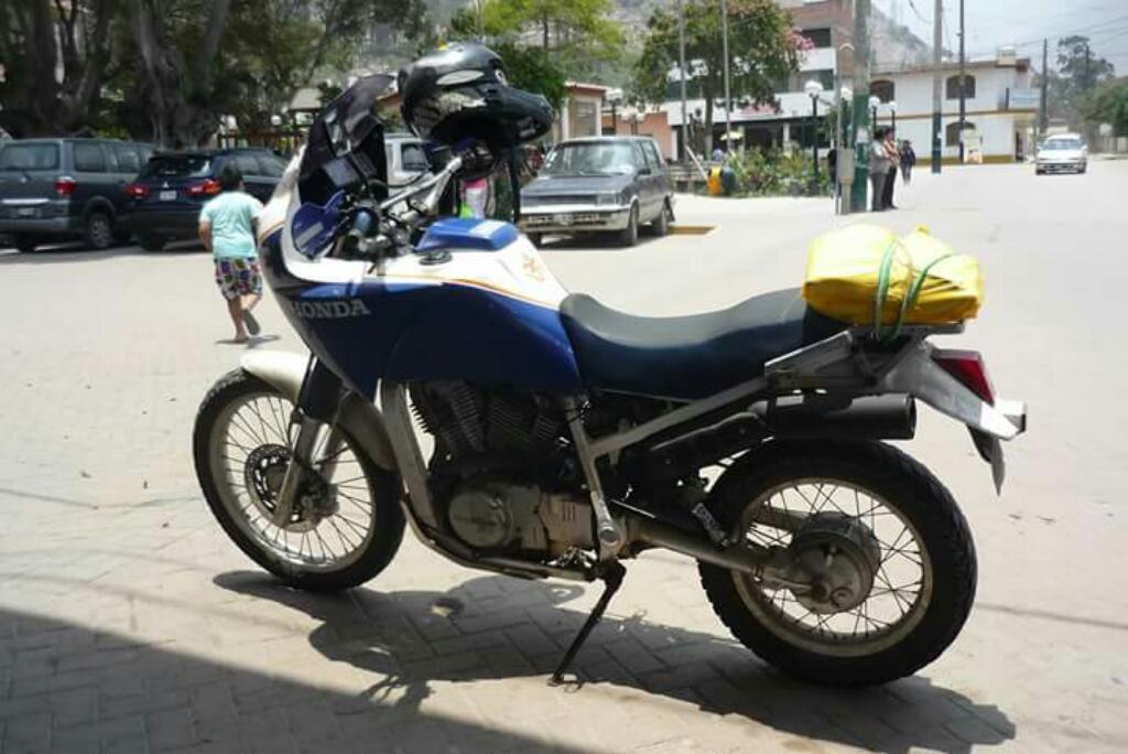 Vendo Moto Honda 750cc Africa T