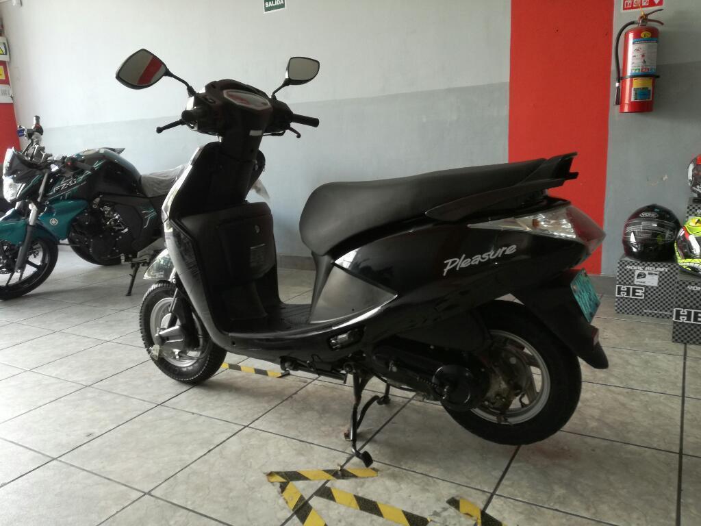 Scooter Hero Pleasure 2015
