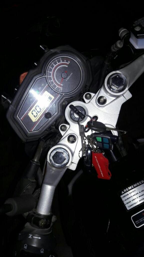 Moto Aprilia 2015