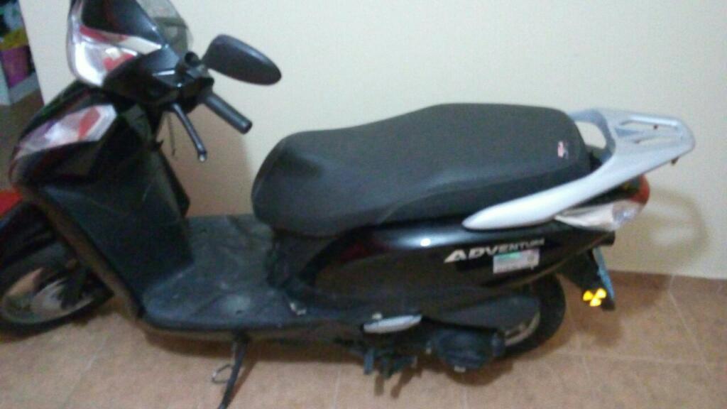Vendo Moto Motor 150. por Viaje