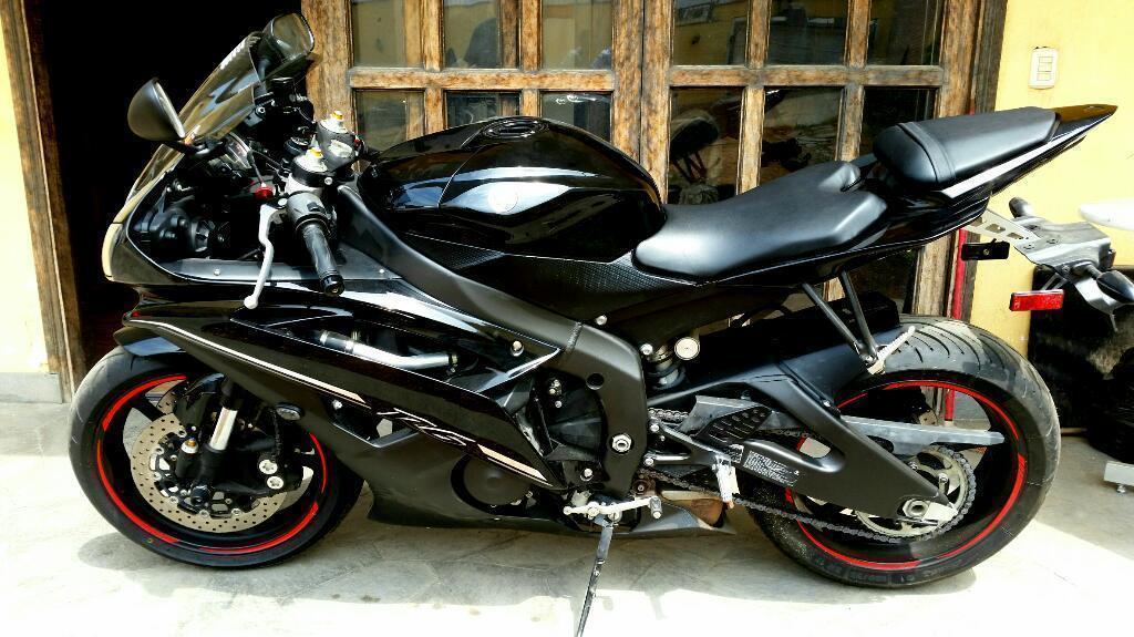 Moto Yamaha R6 2012