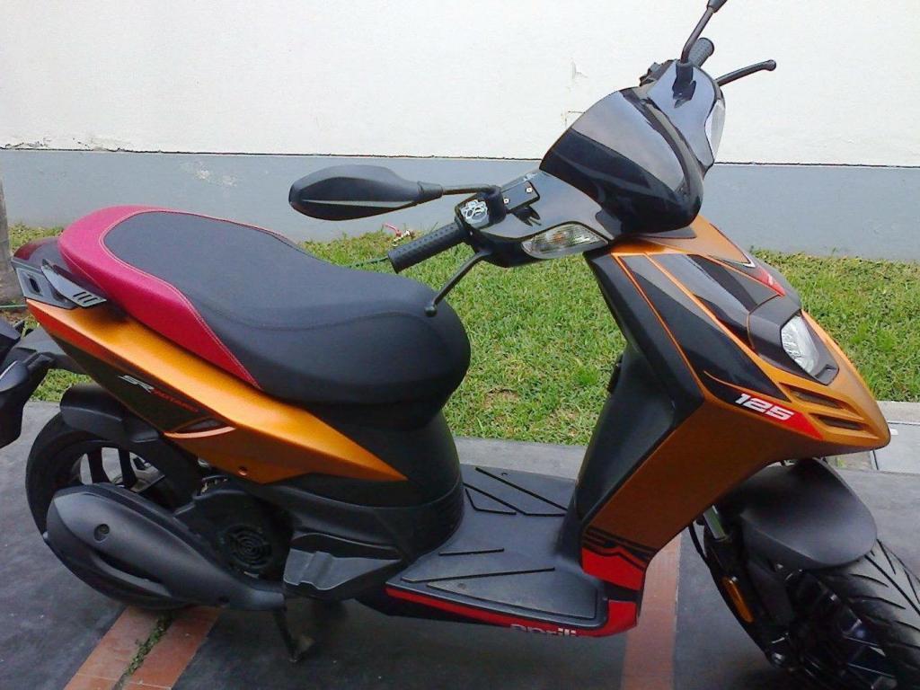 Moto Scooter Sr Motard125 APRILIA italia