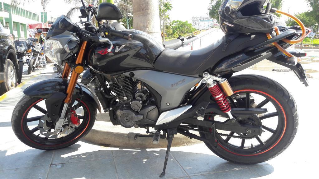 Remato Moto Keeway RKV 200, en Excelente estado