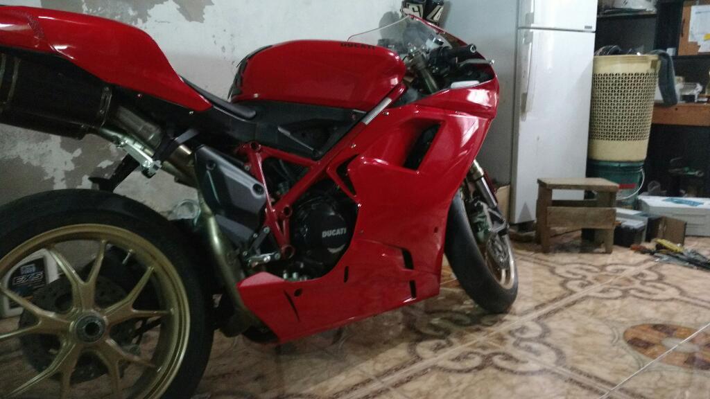 Ducati 848. No Kawasaki. R6 Suzuki