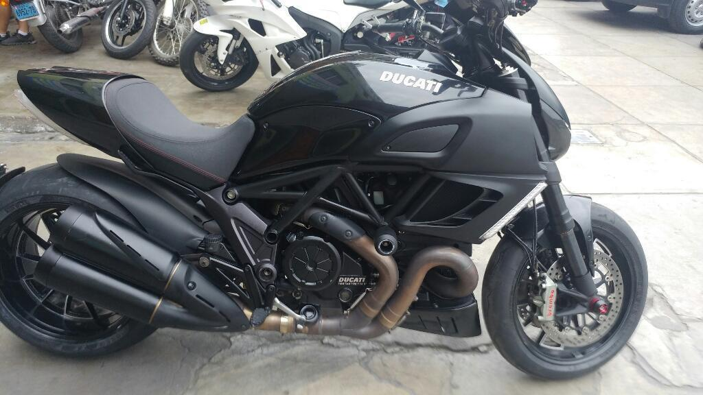 Ducati Diavel Dark 1200cc 2013