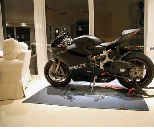 DUCATI PENIGALE 1199 S ABS SUPERBIKE 2015