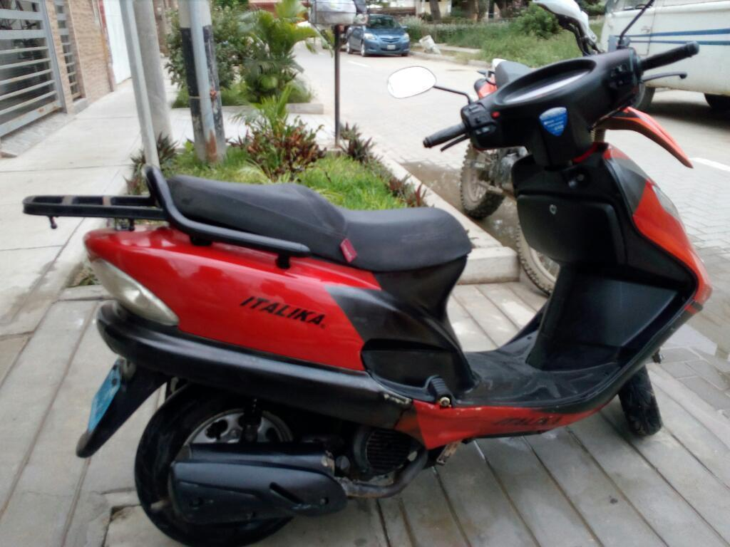 Vendo Moto Automatica Modelo Scooter