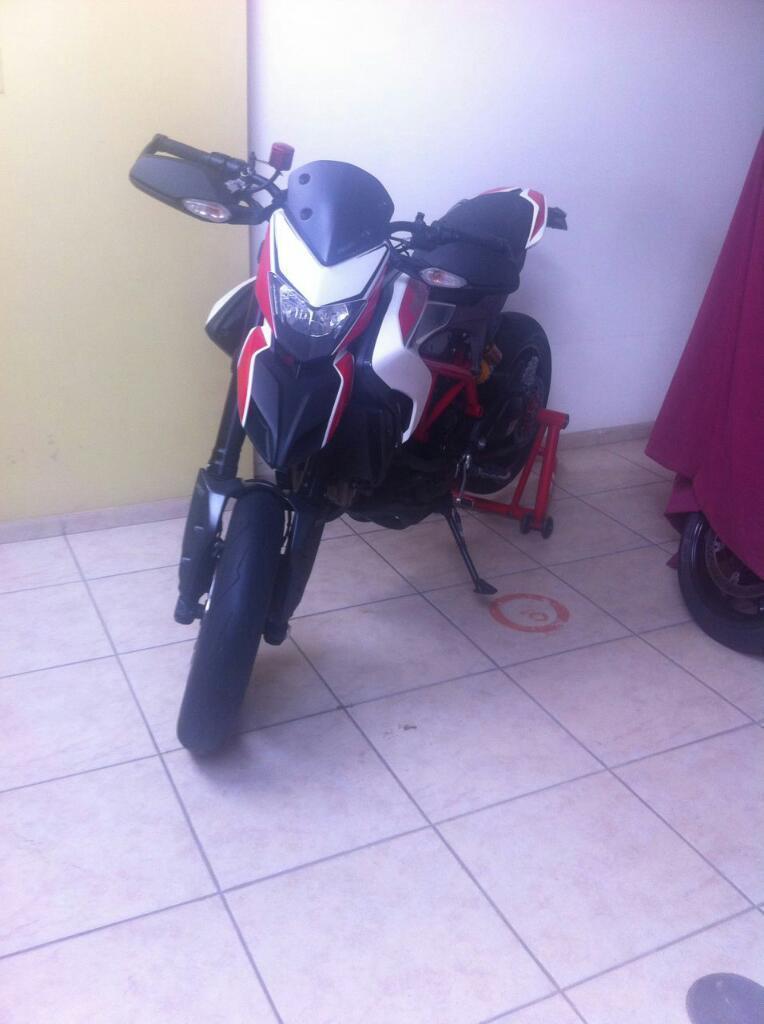 Vendo Ducati Hypermotard