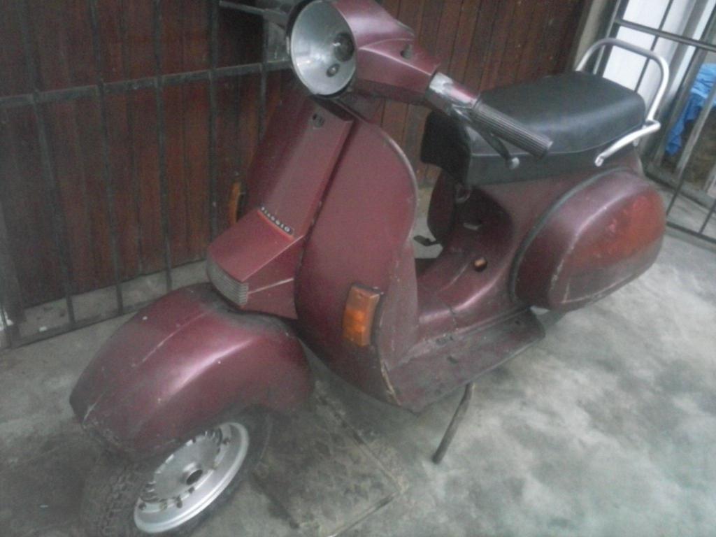 Moto Lineal Escooter Vespa Piaggio Motor 150cc PX Elestart Todo original y Funcionando